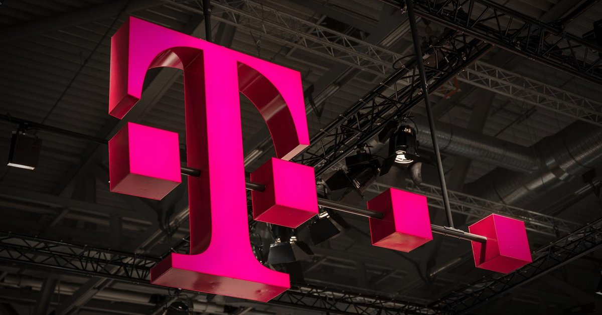T-Mobile Sign Pink customer experience