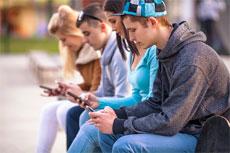 millennials-using-phones
